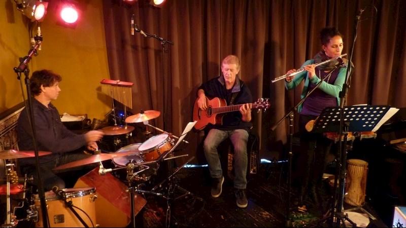 Anne WOLF Trio + Esinam DOGBATSE